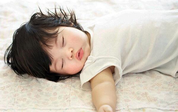 Tất tần tật tuyệt chiêu ngủ đúng cho trẻ thêm cao mẹ nào cũng cần biết